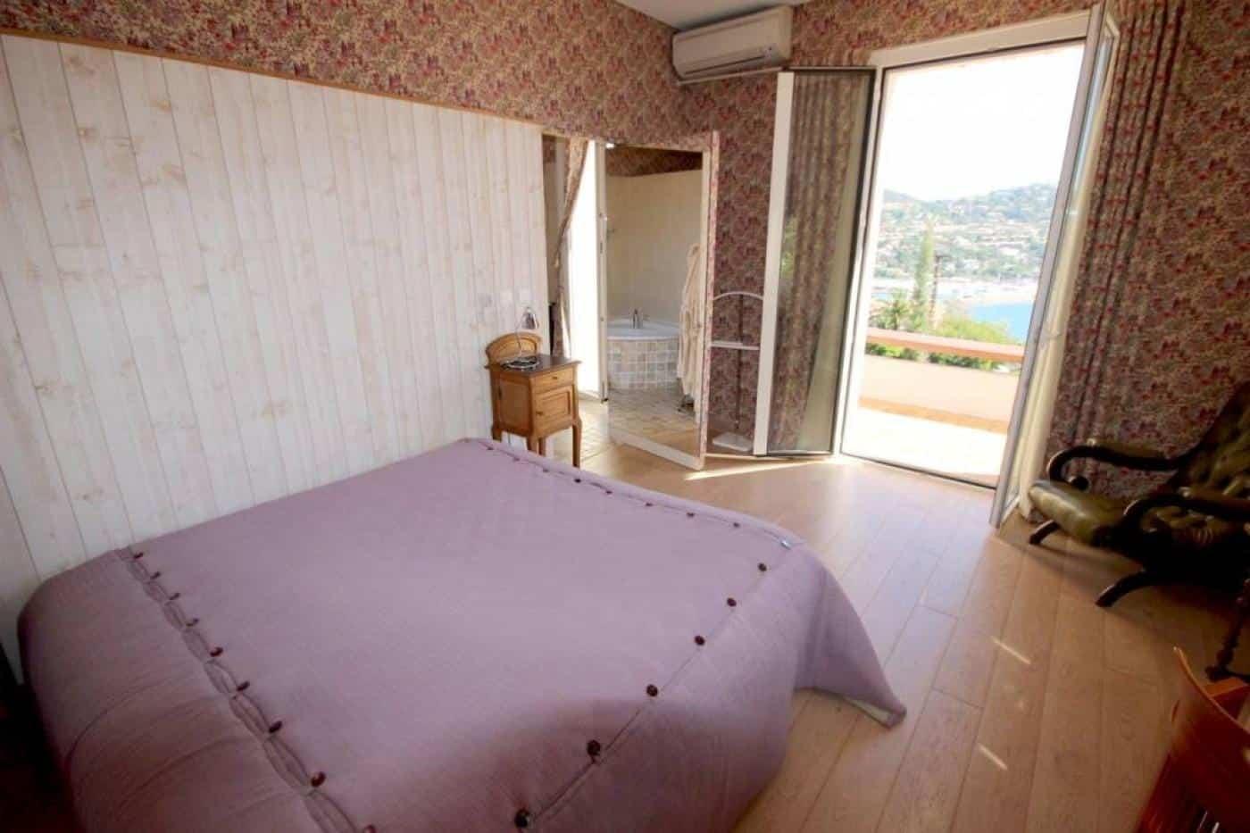 À vendre : Maison 5 chambres LE TRAYAS - Saint-Raphaël - Ref : 27929 | Naef Immobilier